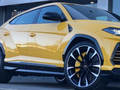 Lamborghini Urus sports car hire London