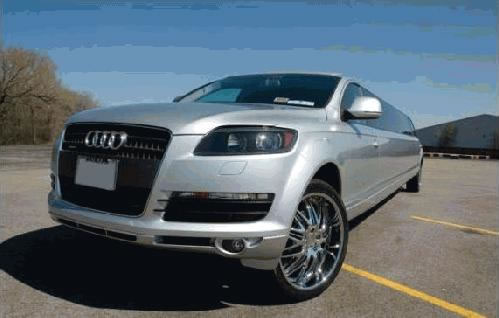 Chauffeur stretched silver Audi Q7 sport limousine hire in Nottingham, Derby, Leicester, Birmingham, Leeds, Bradford, London, Nottinghamshire, Derbyshire, West Yorkshire and Midlands.